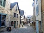 Exclusivite - centre historique de dinan - maison en pierre , deux chambres, cou