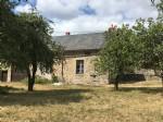 Cette maison (jumelee d'un cote) a renover est a vendre dans le Morvan, region Bourgogne