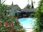 Propriété offrant maison principale, 5 chambres d'hôtes, gîte, restaurant/bar et 2 piscines !