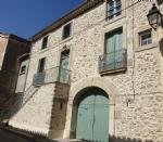 Ravissante maison vigneronne de 210 m² habitables avec terrasse, garage et jardin avec piscine.