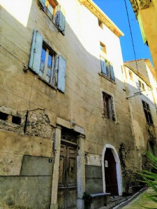 Magnifique maison avec 7 chambres, ancienne écurie, greniers et 2 terrasses avec vues !