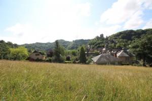 Terrrain constructible avec CU de 1317 m2 à 15 minutes de rodez dans un petit village de charme