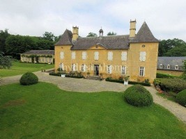 Château Lembeye (64350) au Nord de Pau