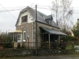 EXCLUSIVITE. Maison en pierre avec 2 chambres, à finir de rénover.2 chs, terrain, en campagne