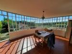 Jolie maison de village avec 150 m² habitables, appartement indépendant, cour, jardin et caves.