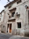 Maison de village au centre du village, investissement idéal pour la location.