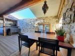 Charmante grange en pierres totalement rénovée de 140 m² habitables avec 2 terrasses.