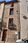 Maison de caractère de 160 m² habitables au cœur d'un beau village historique.