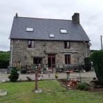 Jolie maison en pierre rénovée avec dépendance et jardin
