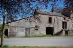 Maison de village saint hilaire la treille à rénover entièrement avec jardin de 388m²